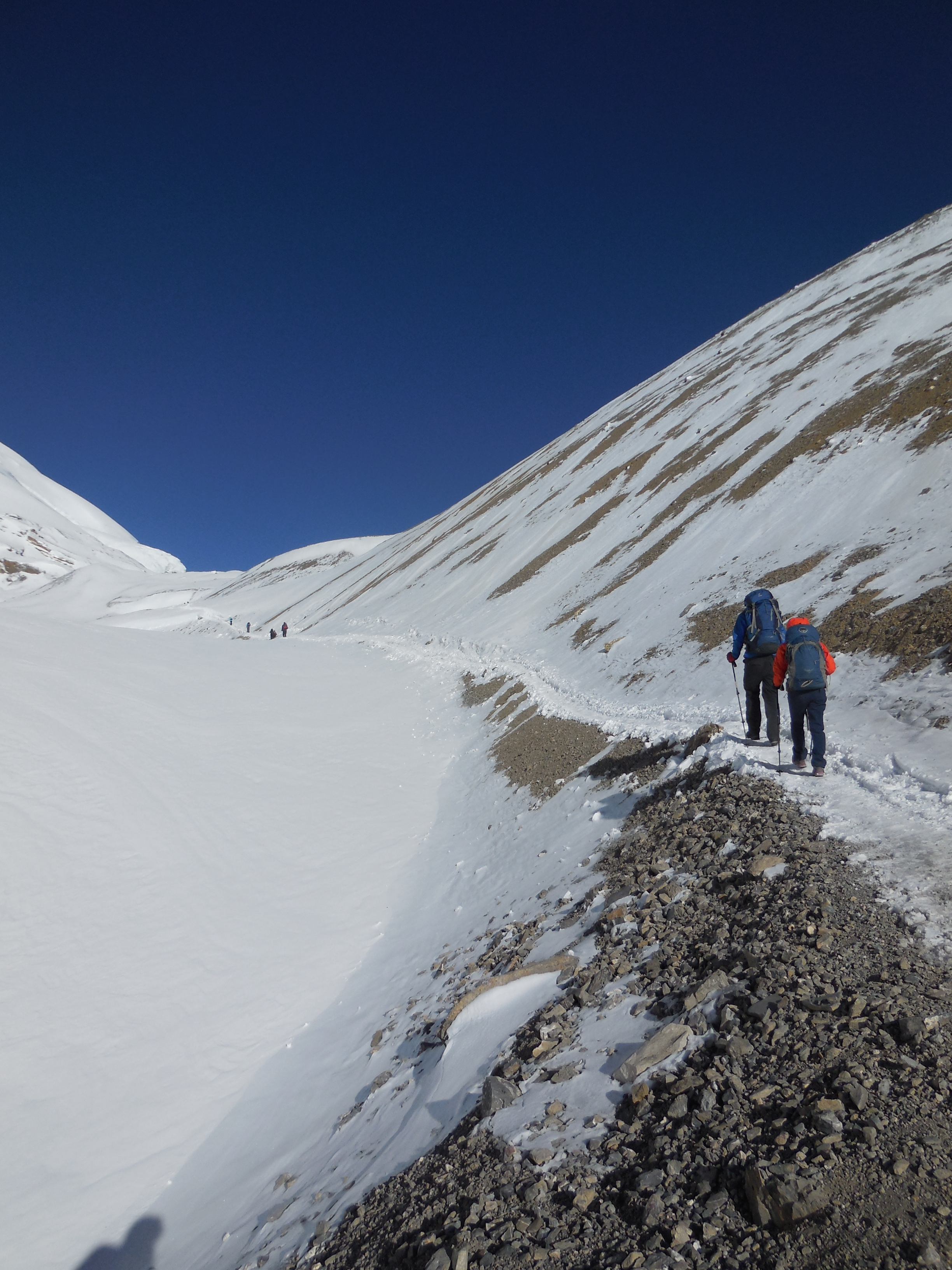 On the way to Thorung La, highest point of this trip