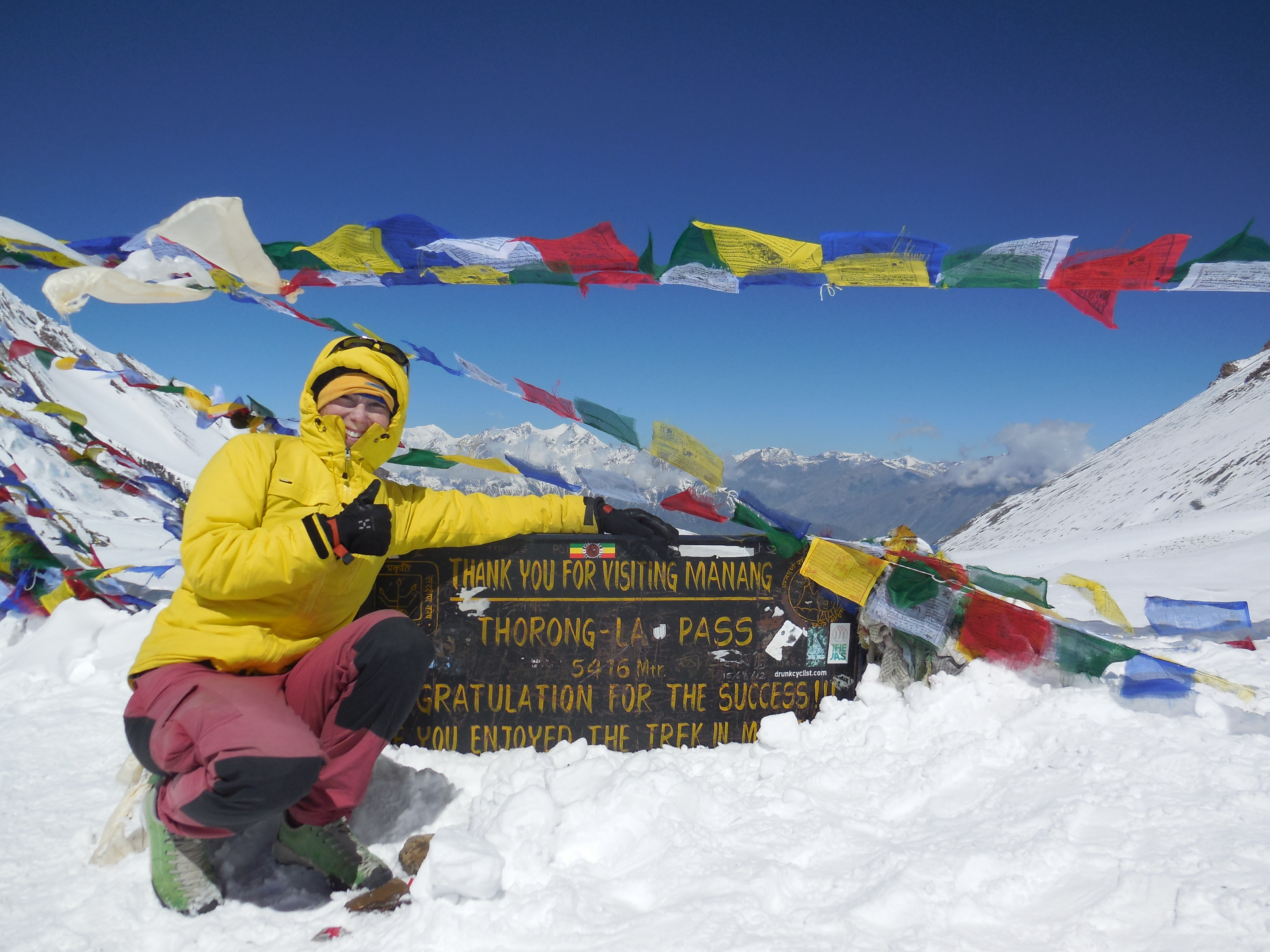 I made it!!! On the top of Thorung La, 5418m. Headache started on the way down, before it was ok